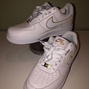 Brand New Nike Air Force 1 low Icon Clash